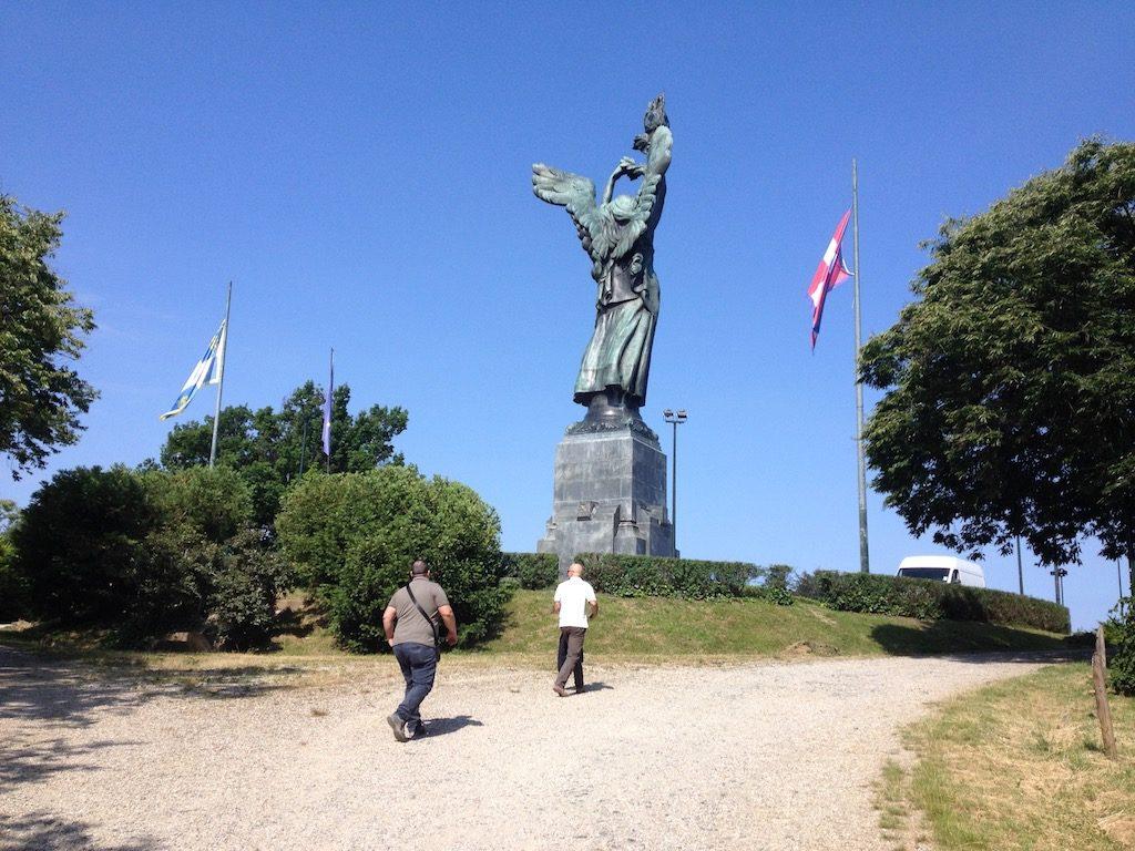 Vetta della Maddalena Faro della Vittoria